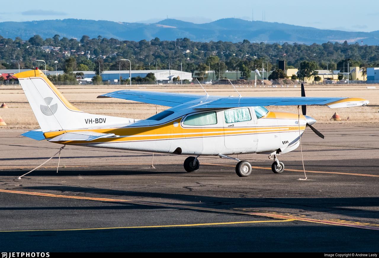 VH-BDV - Cessna 210N Centurion II - Private