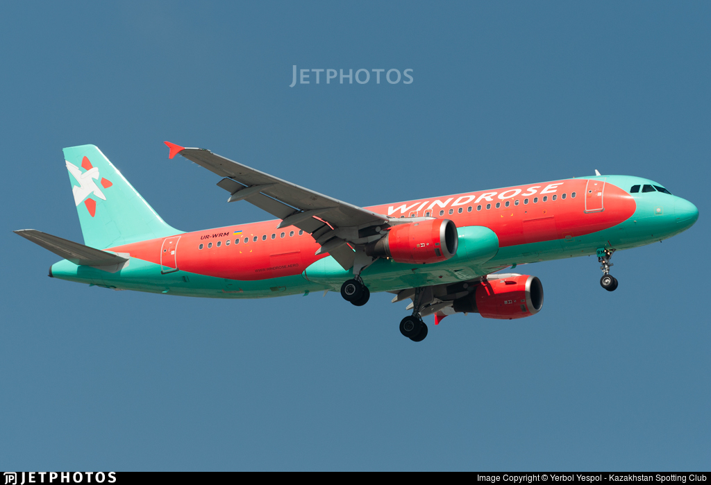 UR-WRM - Airbus A320-212 - Windrose Airlines