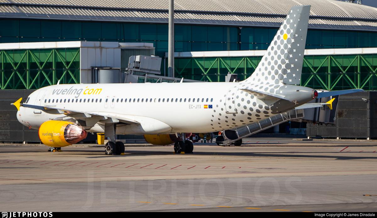 EC-JYX - Airbus A320-214 - Vueling