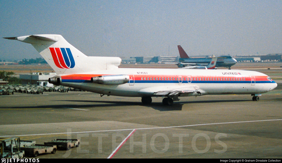 N7456U - Boeing 727-222(Adv) - United Airlines