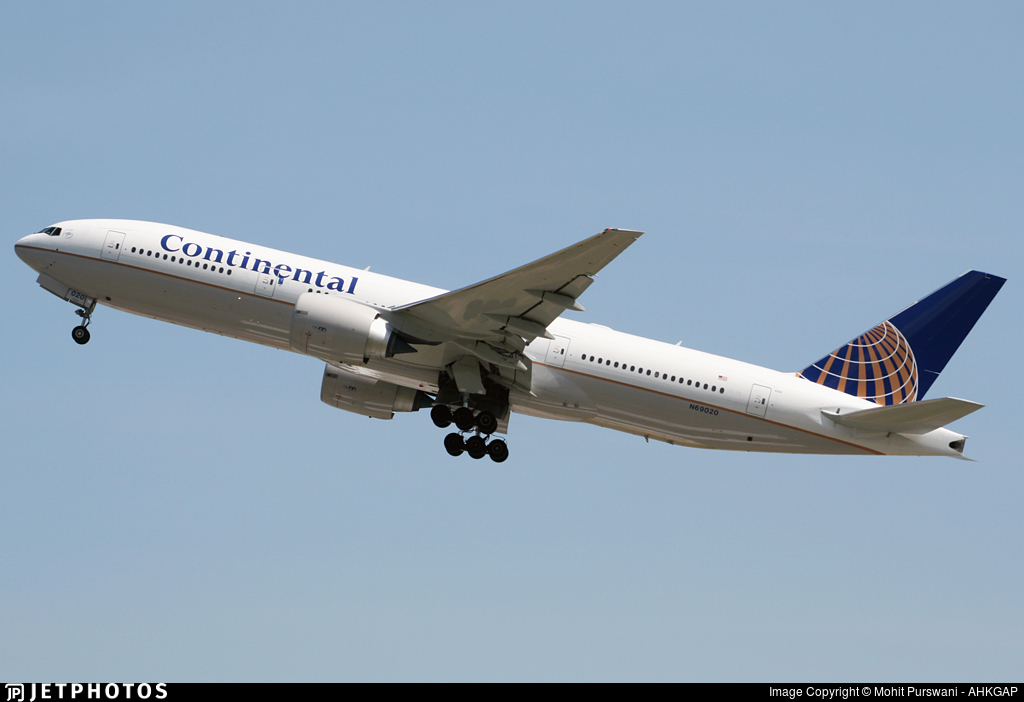 N69020 - Boeing 777-224(ER) - Continental Airlines