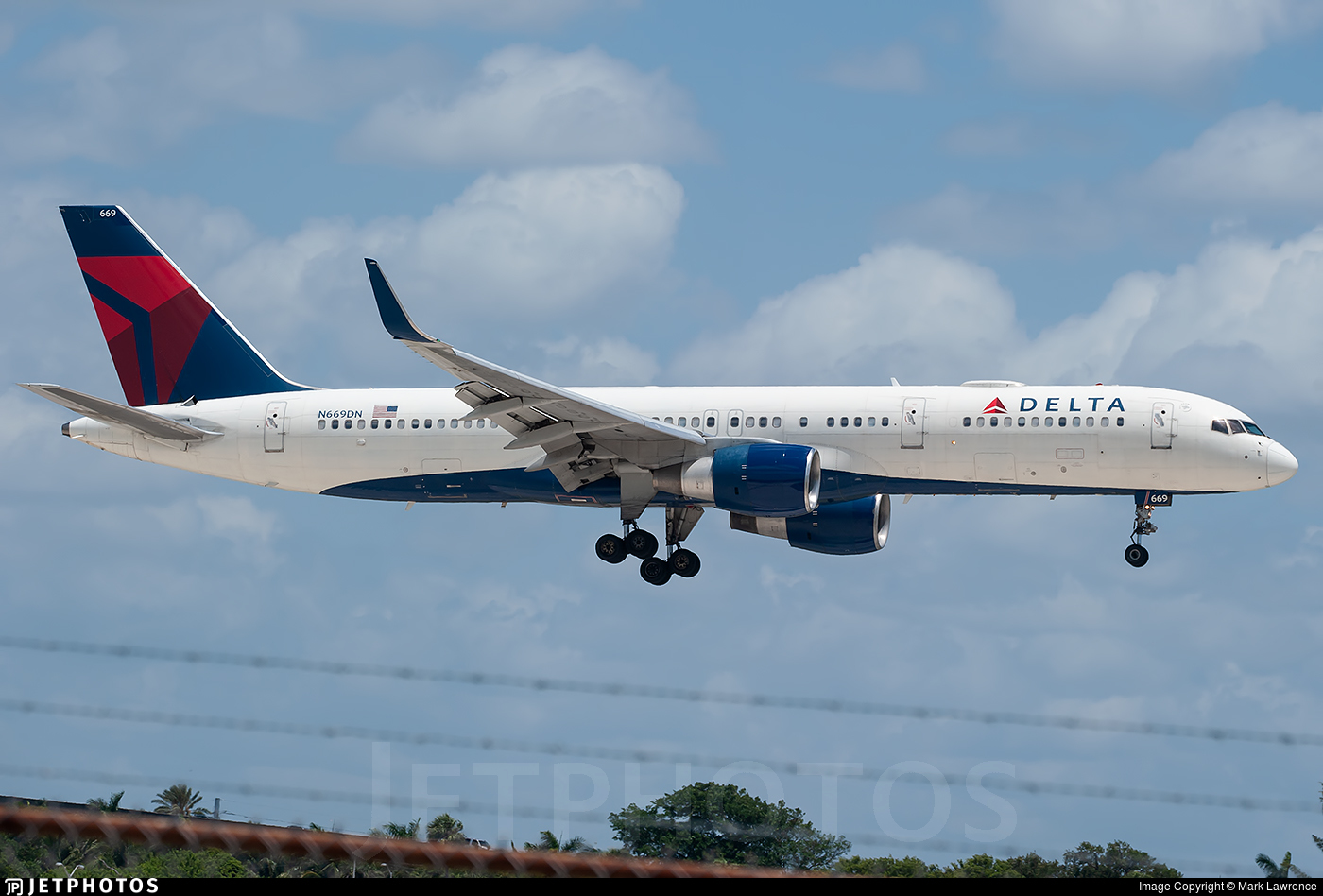 N669DN - Boeing 757-232 - Delta Air Lines