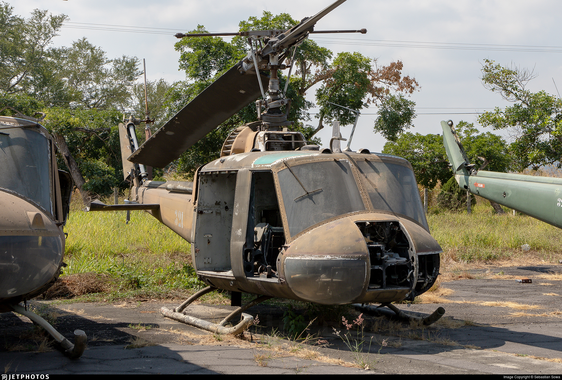 321 - Bell UH-1M Iroquois - El Salvador - Air Force