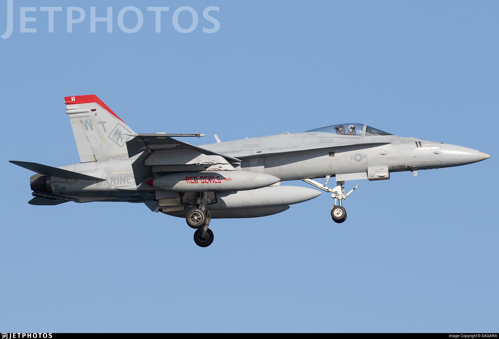 165196 - McDonnell Douglas F/A-18C Hornet - United States - US Marine Corps (USMC)