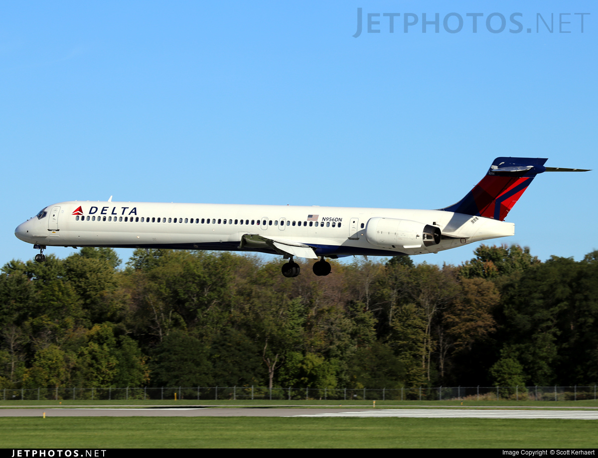 N956DN | McDonnell Douglas MD-90-30 | Delta Air Lines ...
