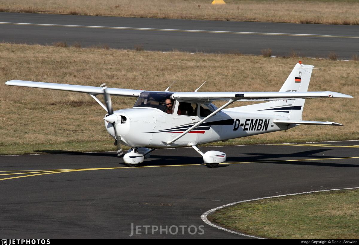 D-EMBN - Cessna 172S Skyhawk SP - DFS Fliegerclub