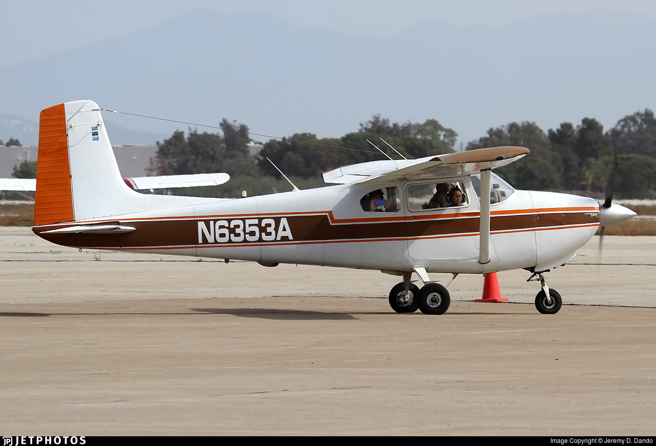 N6553A - Cessna 180 Skywagon - Private