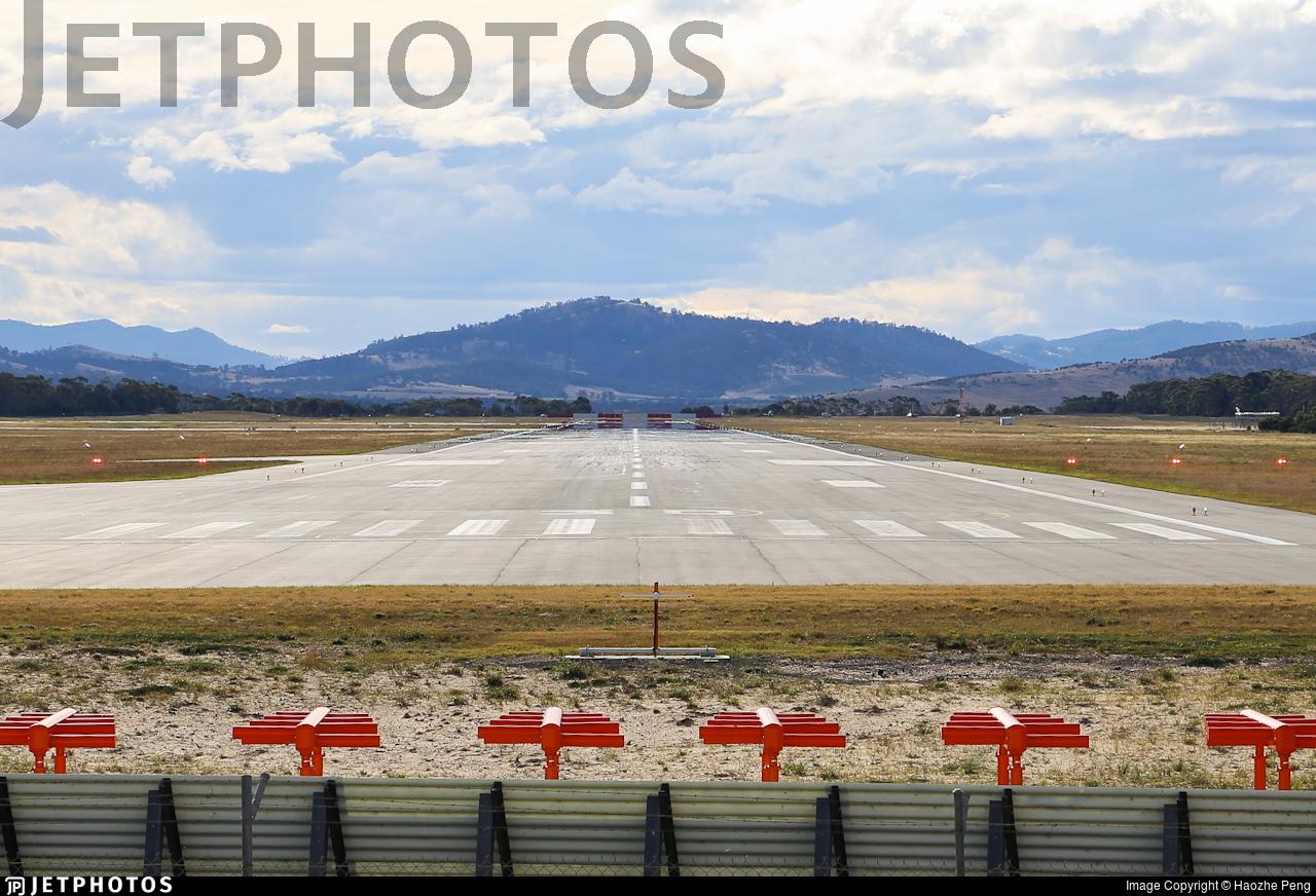 YMHB - Airport - Runway