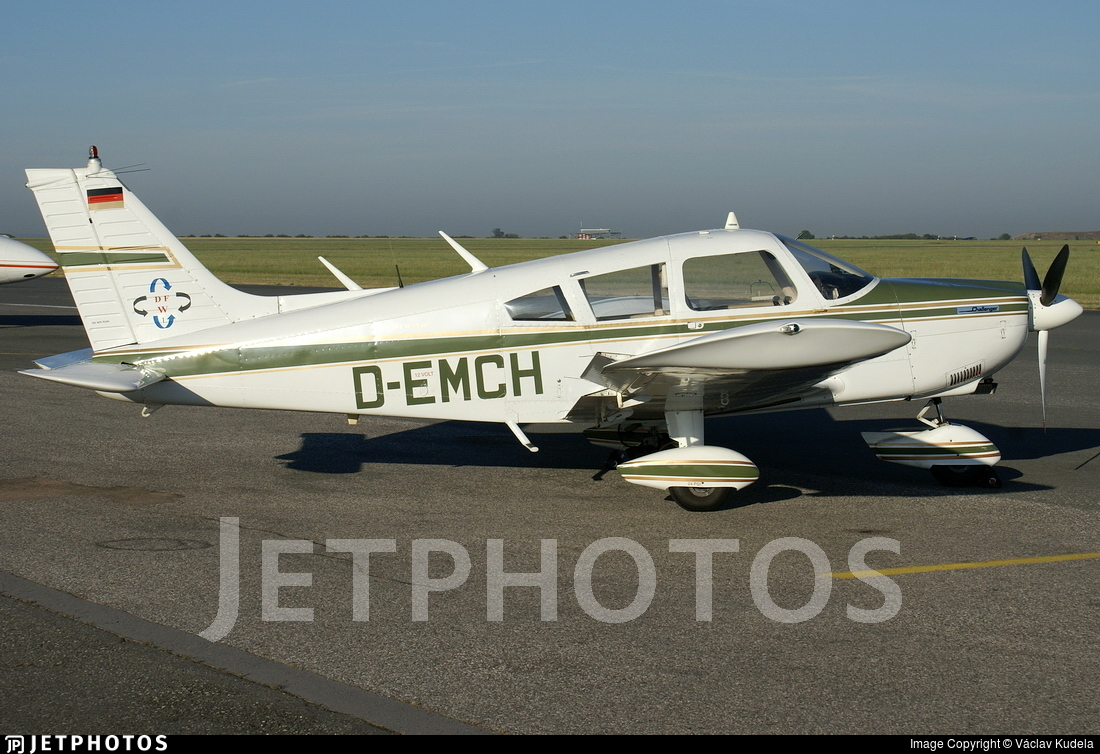 D-EMCH - Piper PA-28-180 Cherokee Challenger - Private