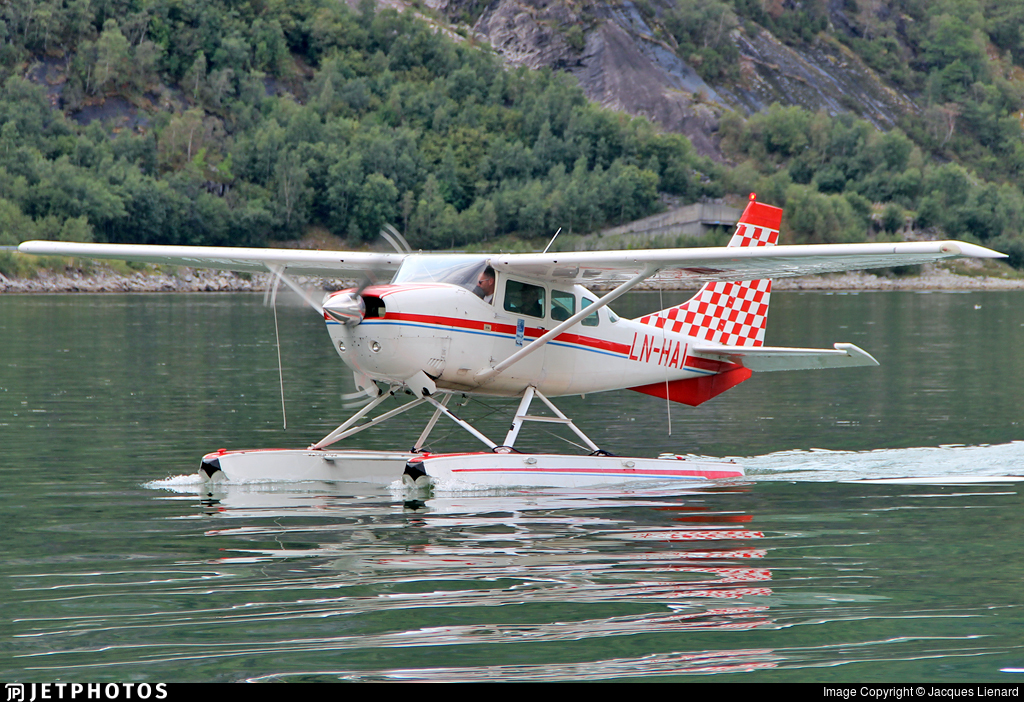 LN-HAI - Cessna U206F Stationair 6 - Private