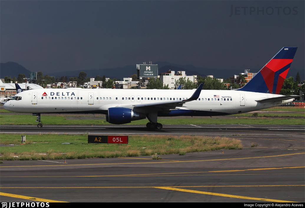 N699DL - Boeing 757-232 - Delta Air Lines