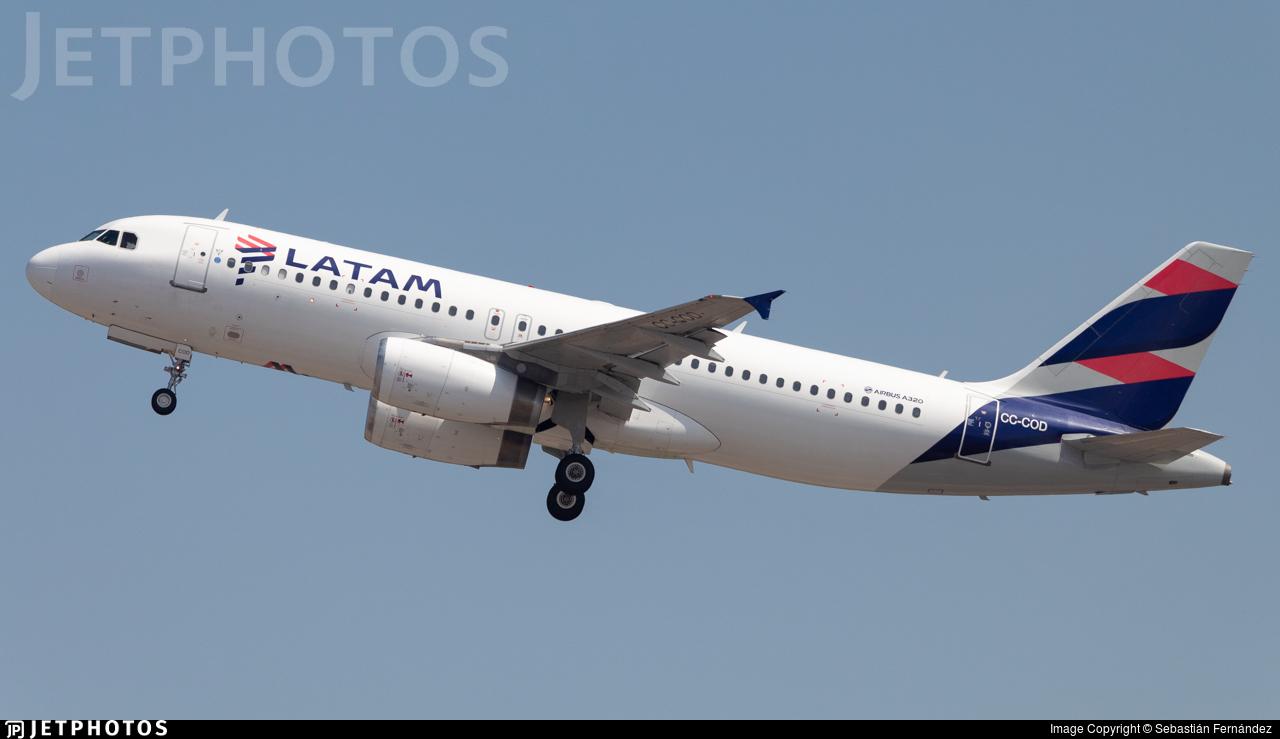 CC-COD - Airbus A320-233 - LATAM Airlines