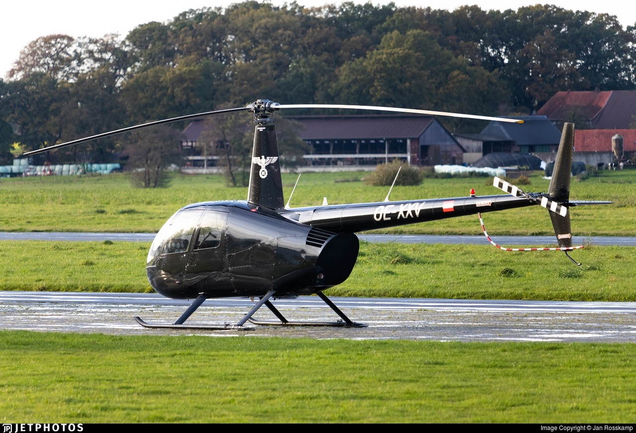 OE-XXV - Robinson R44 Astro - Private