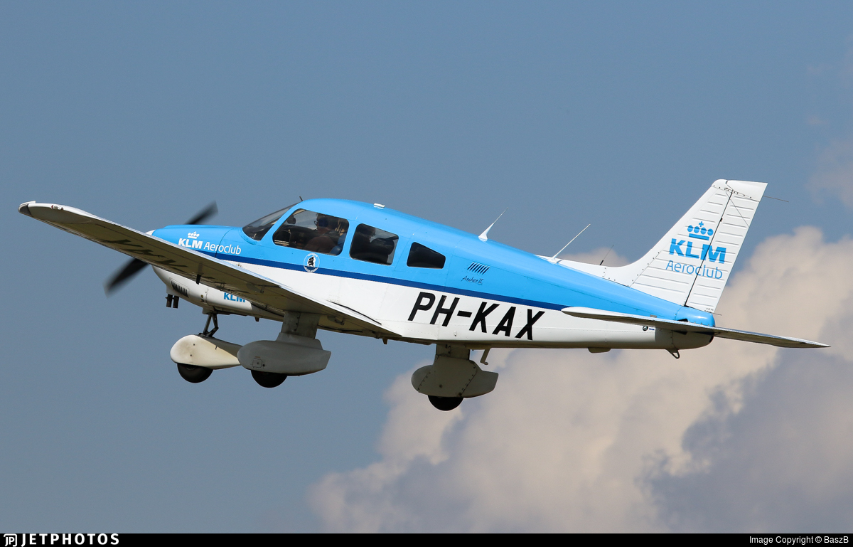 PH-KAX - Piper PA-28-181 Archer II - KLM Aeroclub