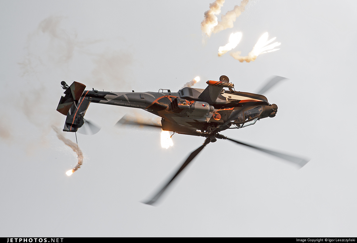Q-17 - Boeing AH-64D Apache - Netherlands - Royal Air Force