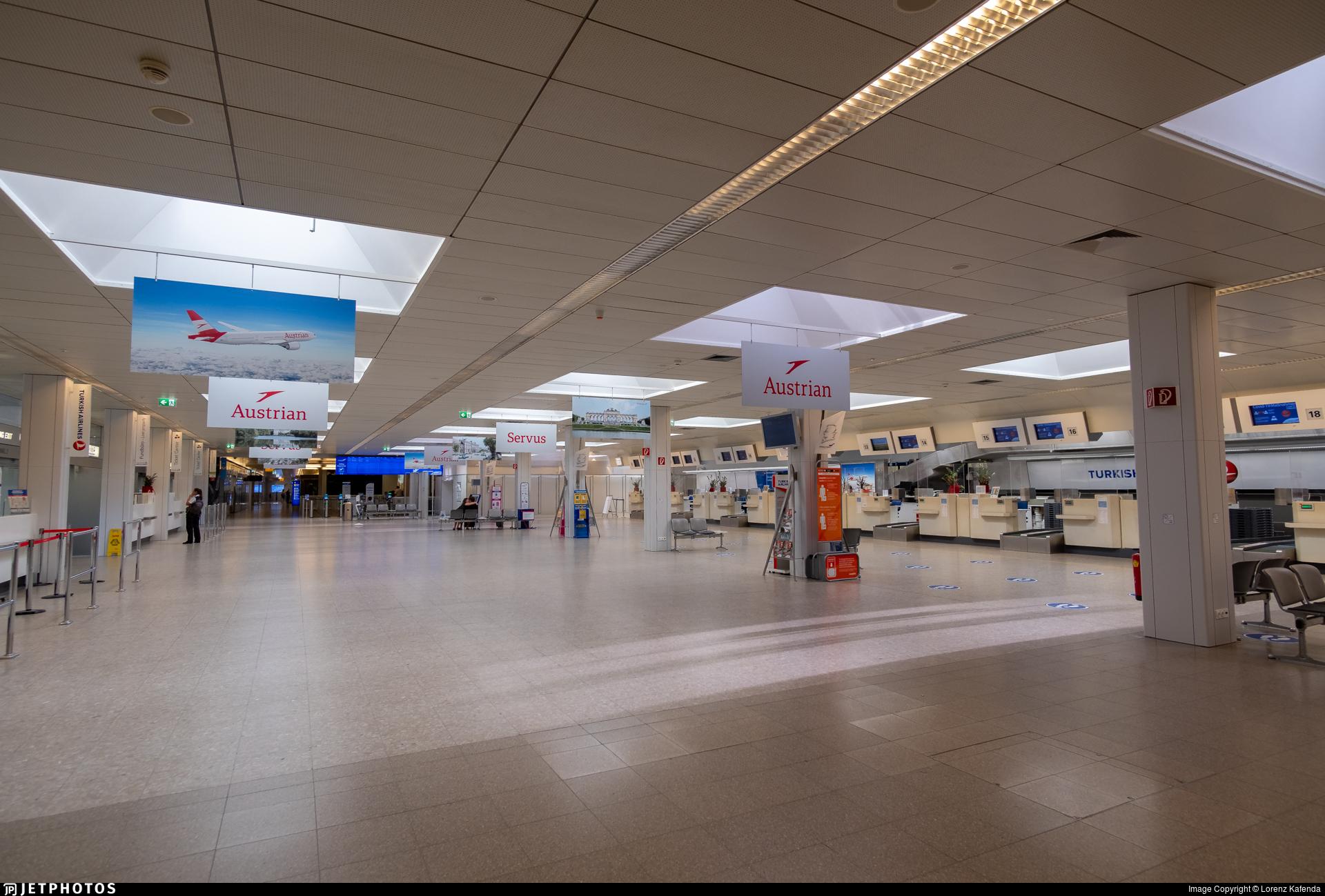 LOWS - Airport - Terminal