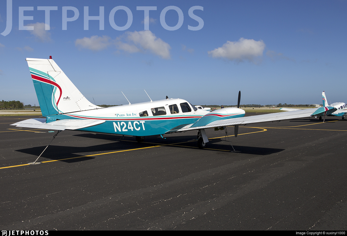 N24CT - Piper PA-34-200T Seneca II - Paris Air