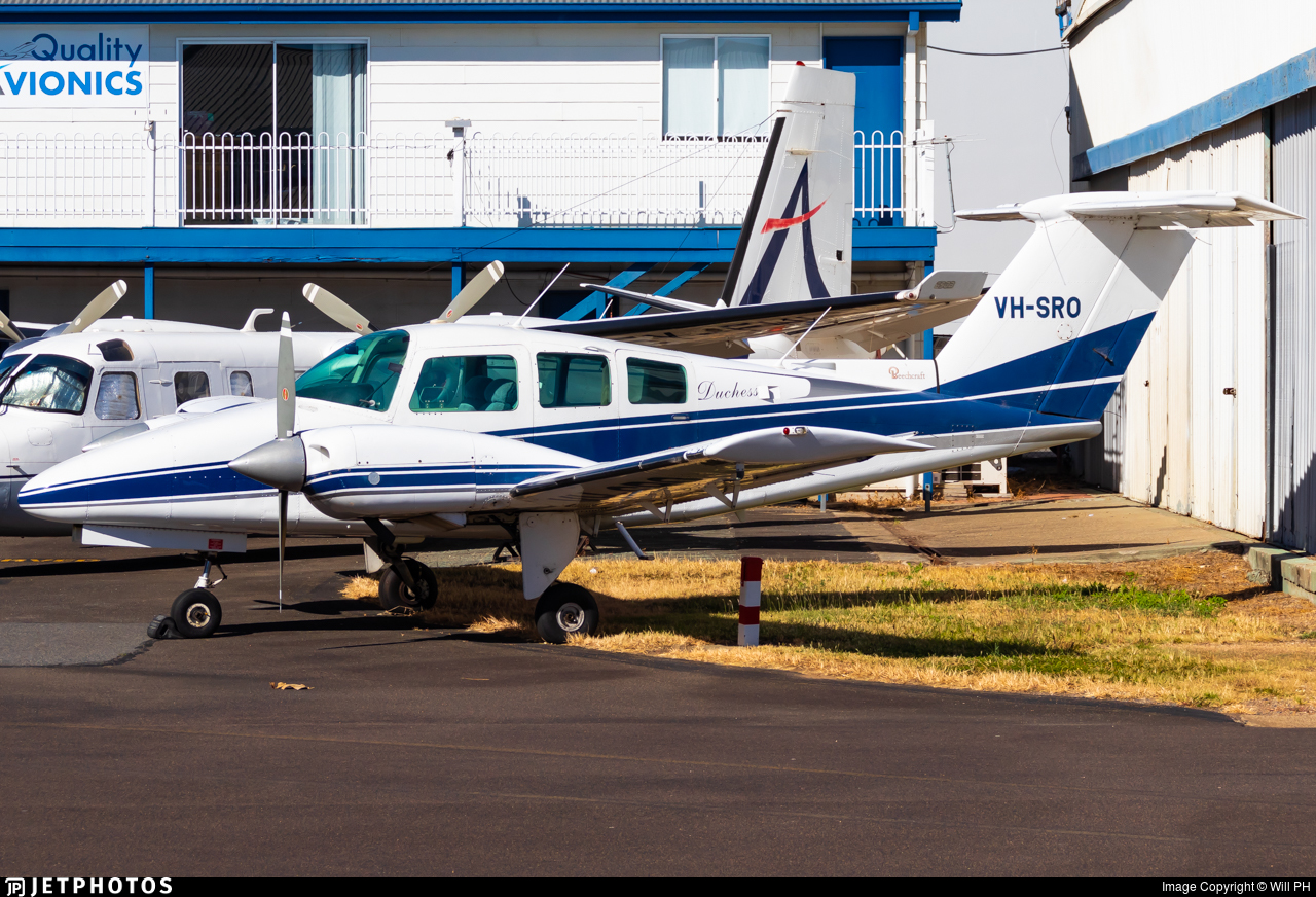 VH-SRO - Beechcraft 76 Duchess - Private