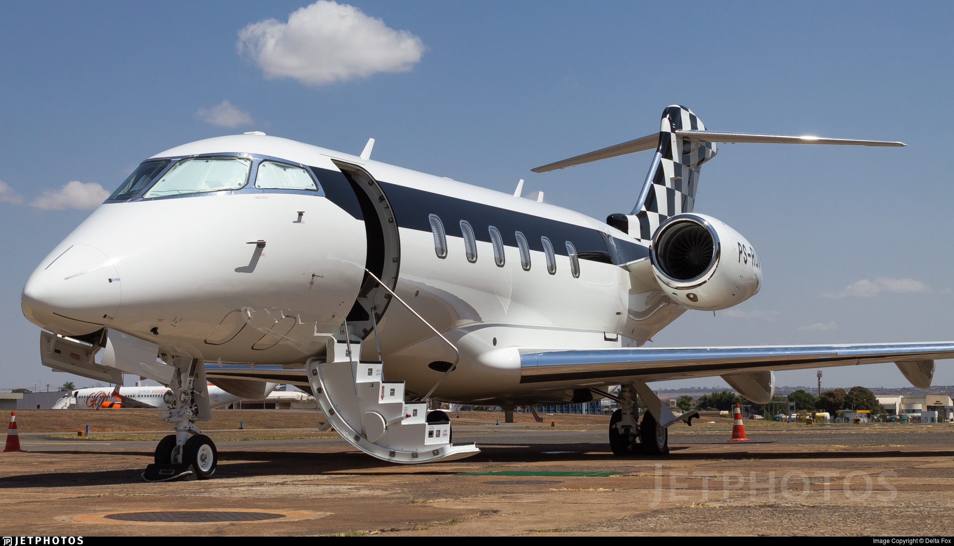 PS-RUN - Bombardier BD-100-1A10 Challenger 350 - Private