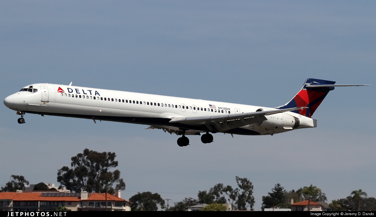 N928DN - McDonnell Douglas MD-90-30 - Delta Air Lines