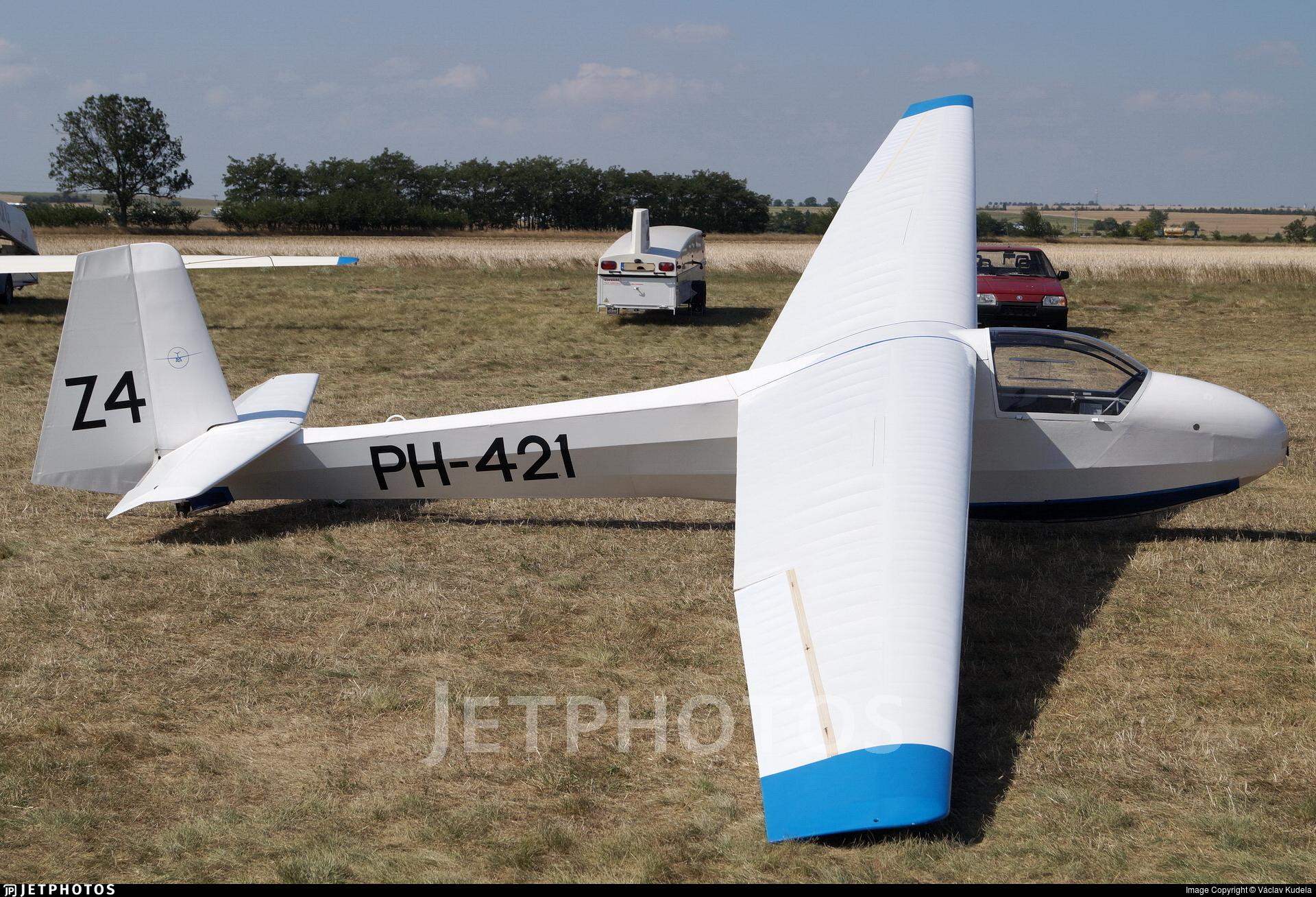 PH-421 - Schleicher K-8B - Zweefvliegclub Eindhovense Studenten