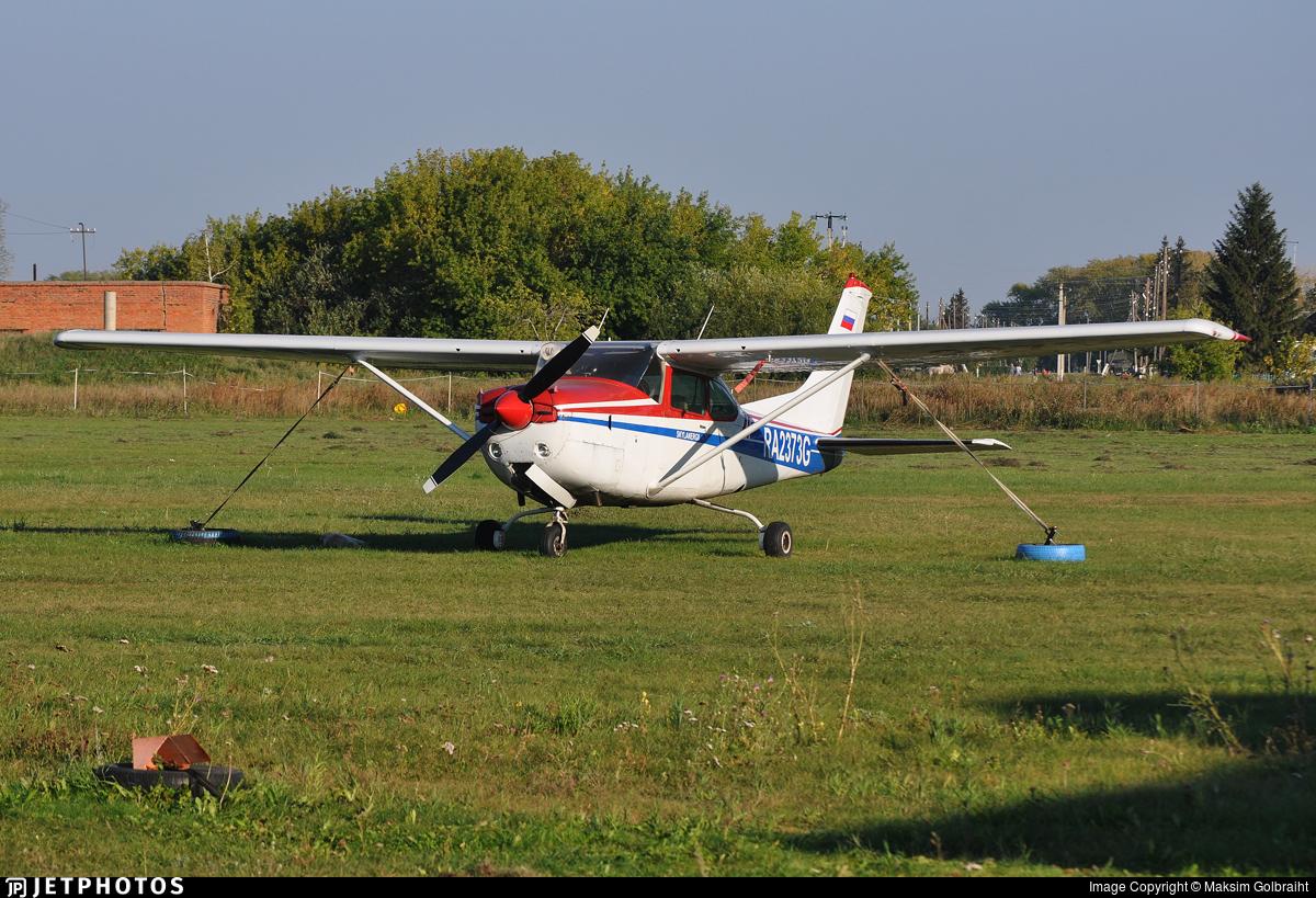 RA-2373G - Cessna R182 Skylane RG - Private