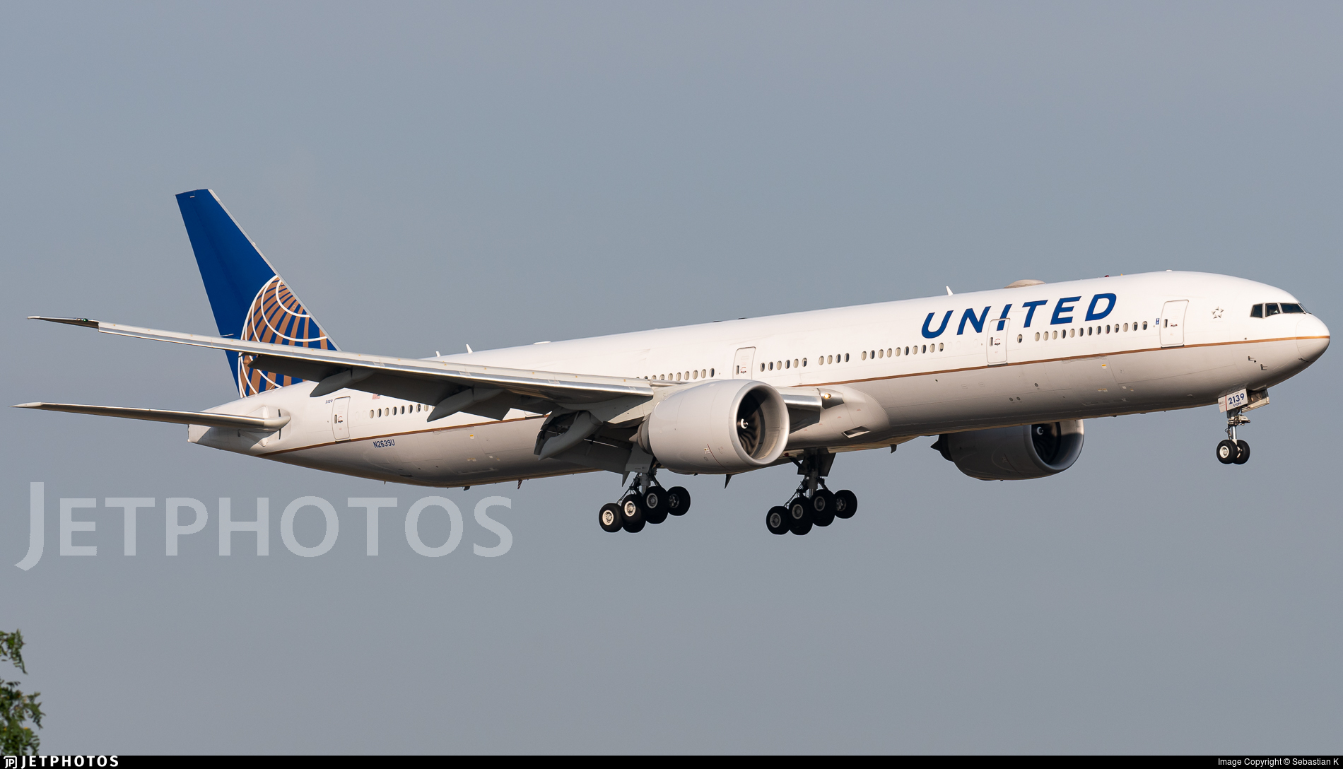 N2639U - Boeing 777-322ER - United Airlines