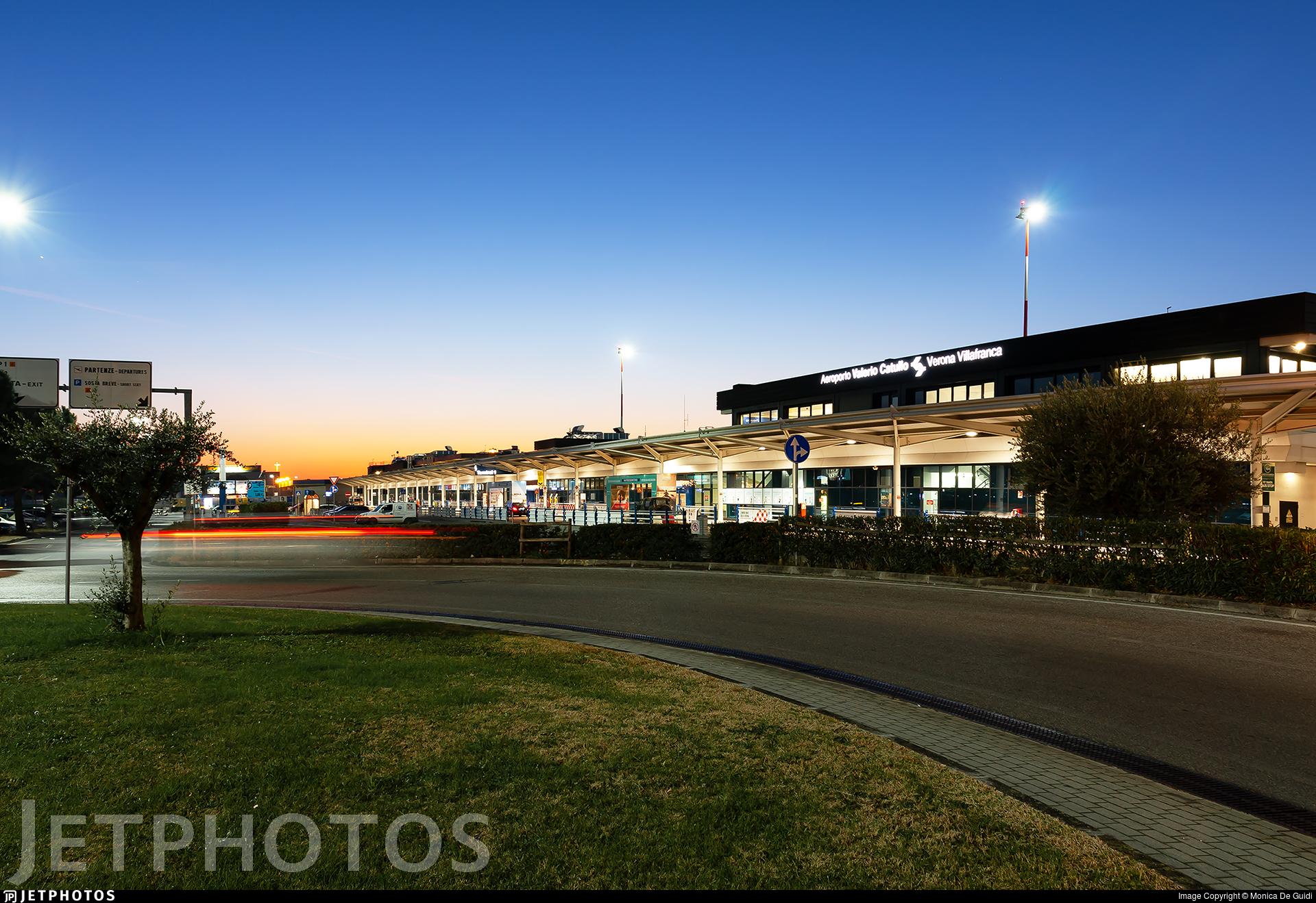 LIPX - Airport - Terminal