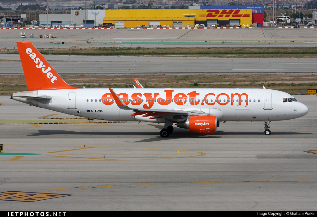 G-EZWS - Airbus A320-214 - easyJet