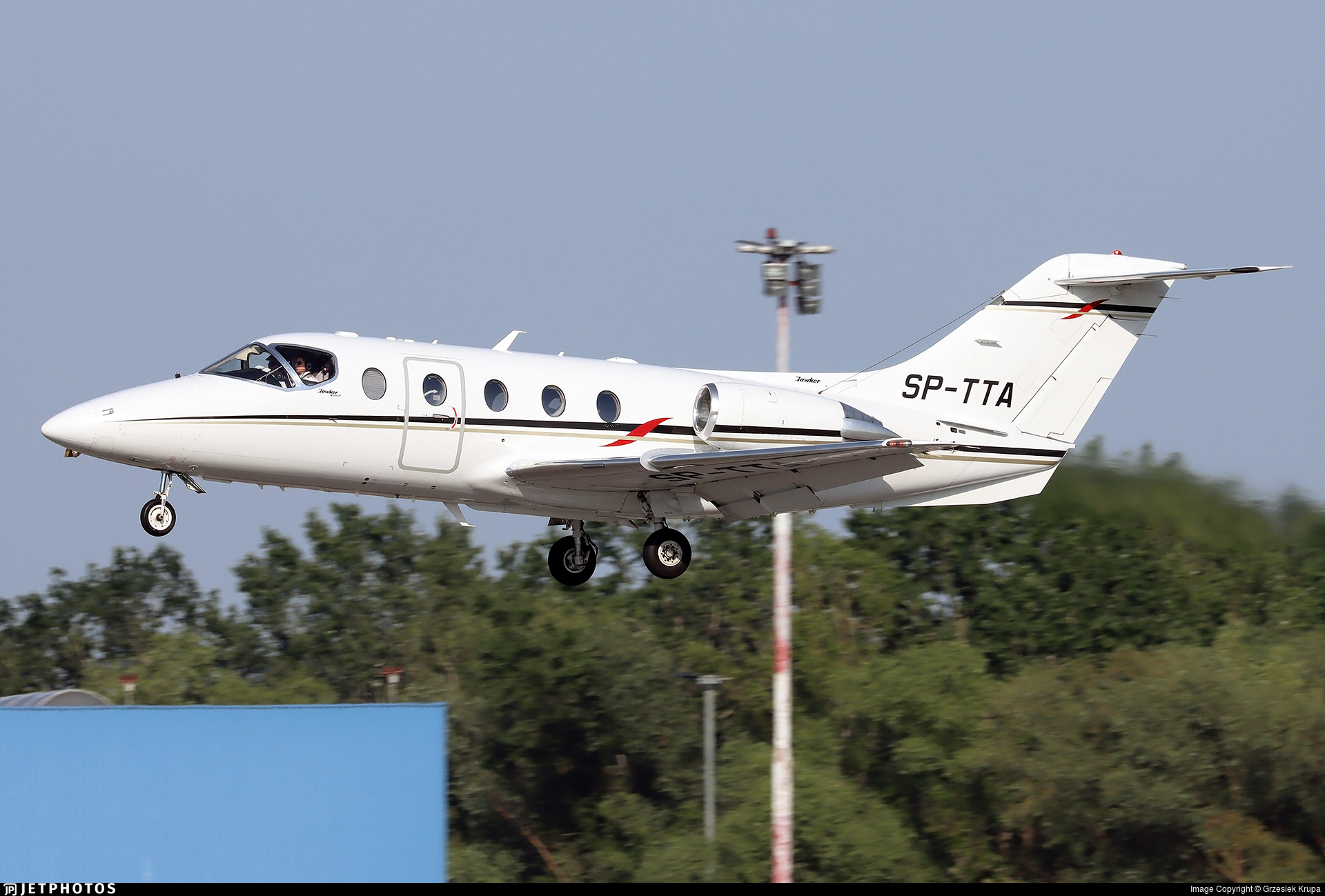 SP-TTA - Raytheon Hawker 400XP - Private