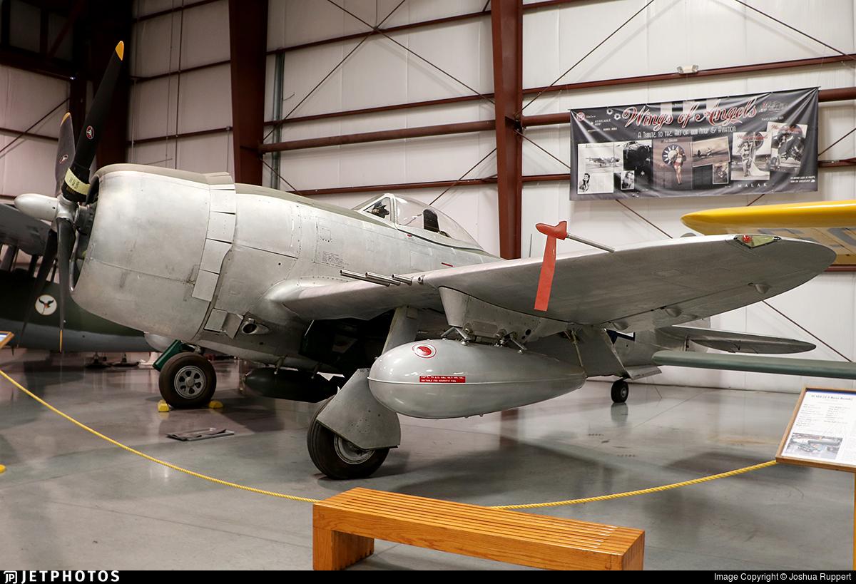 N27385 - Republic P-47 Thunderbolt - Private