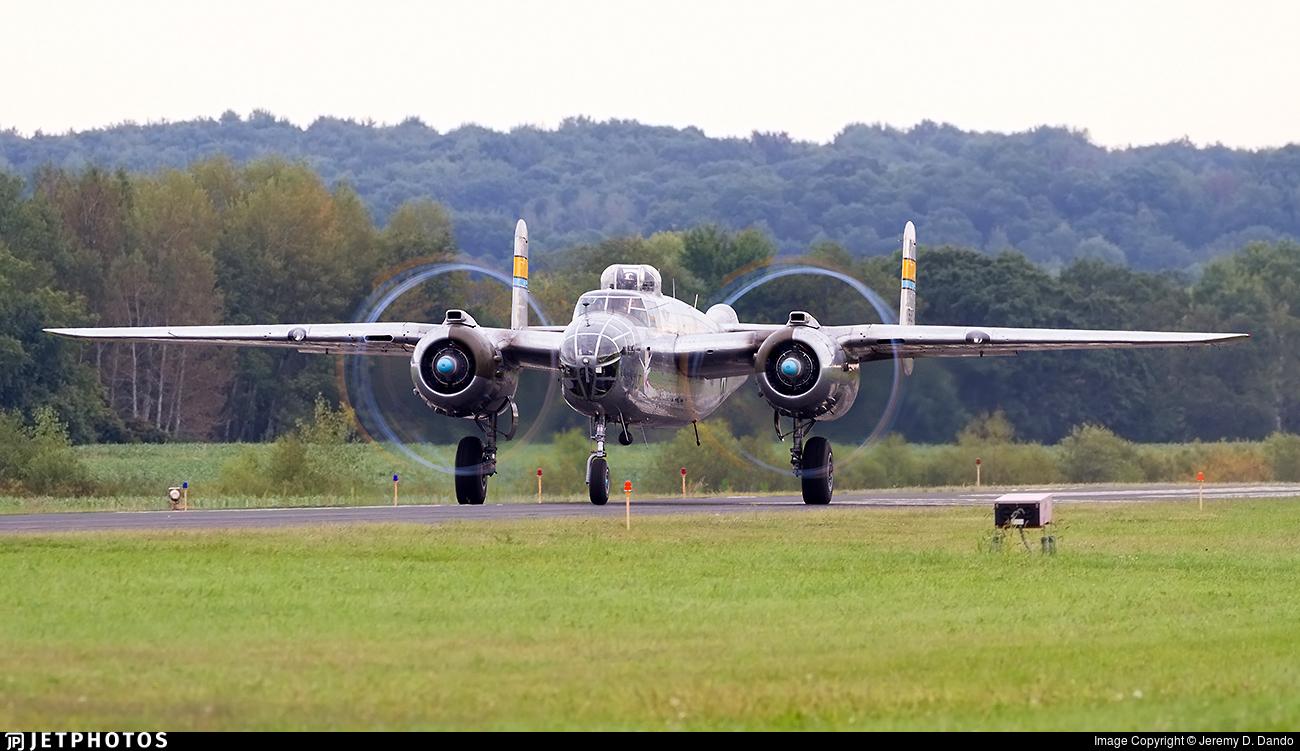 N27493 - North American B-25J Mitchell - Commemorative Air Force