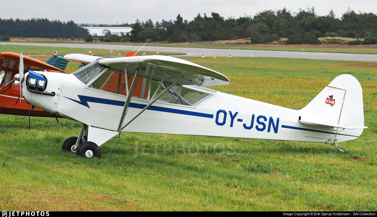 OY-JSN - Piper J-3C-65 Cub - Private