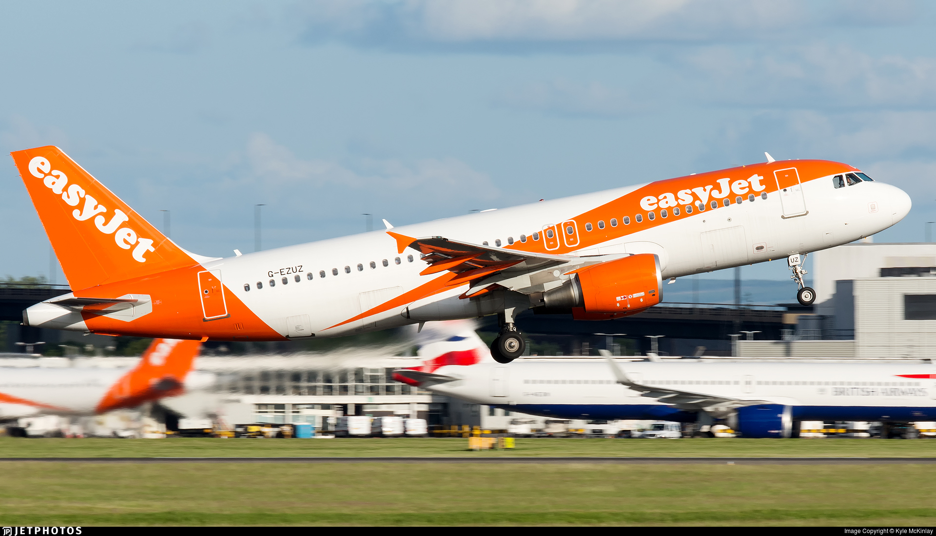 G-EZUZ - Airbus A320-214 - easyJet