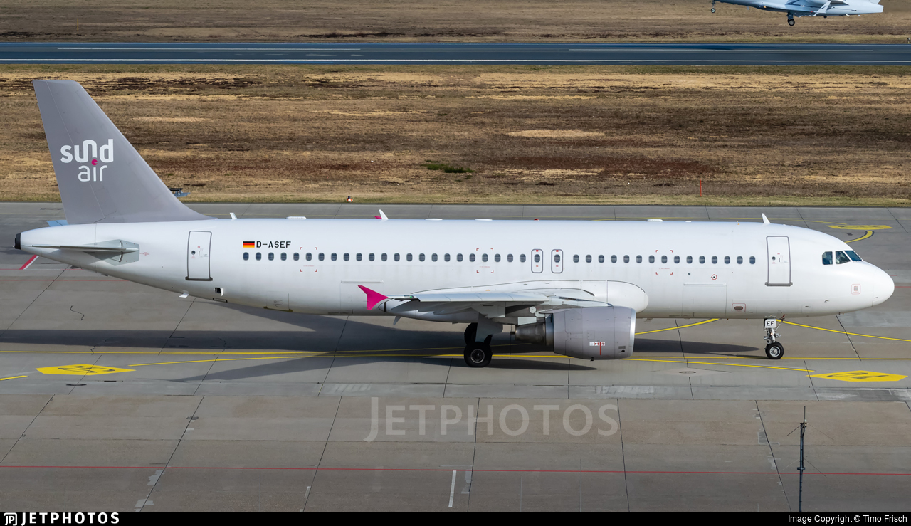 D-ASEF - Airbus A320-214 - SundAir
