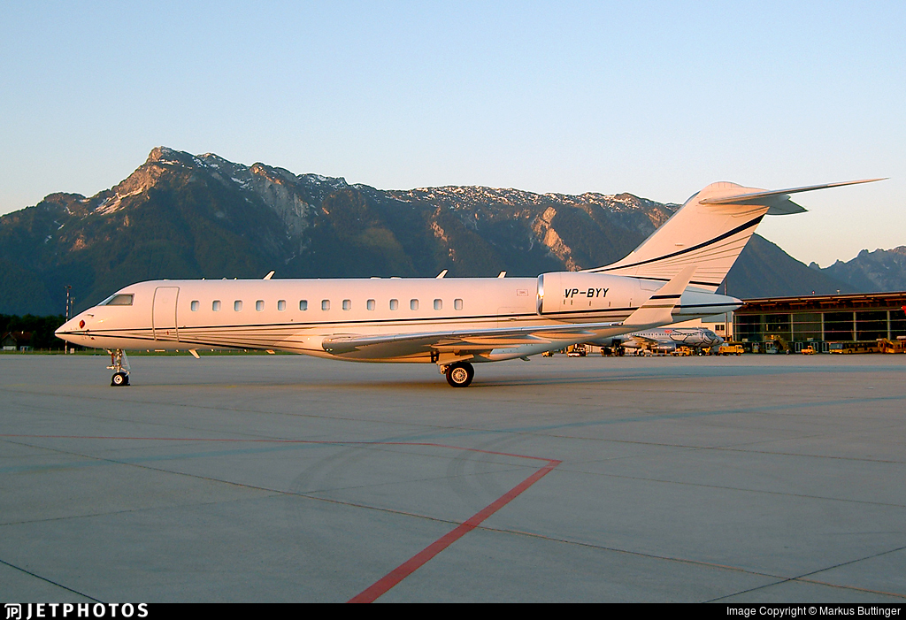 VP-BYY - Bombardier BD-700-1A10 Global Express - Mid East Jet