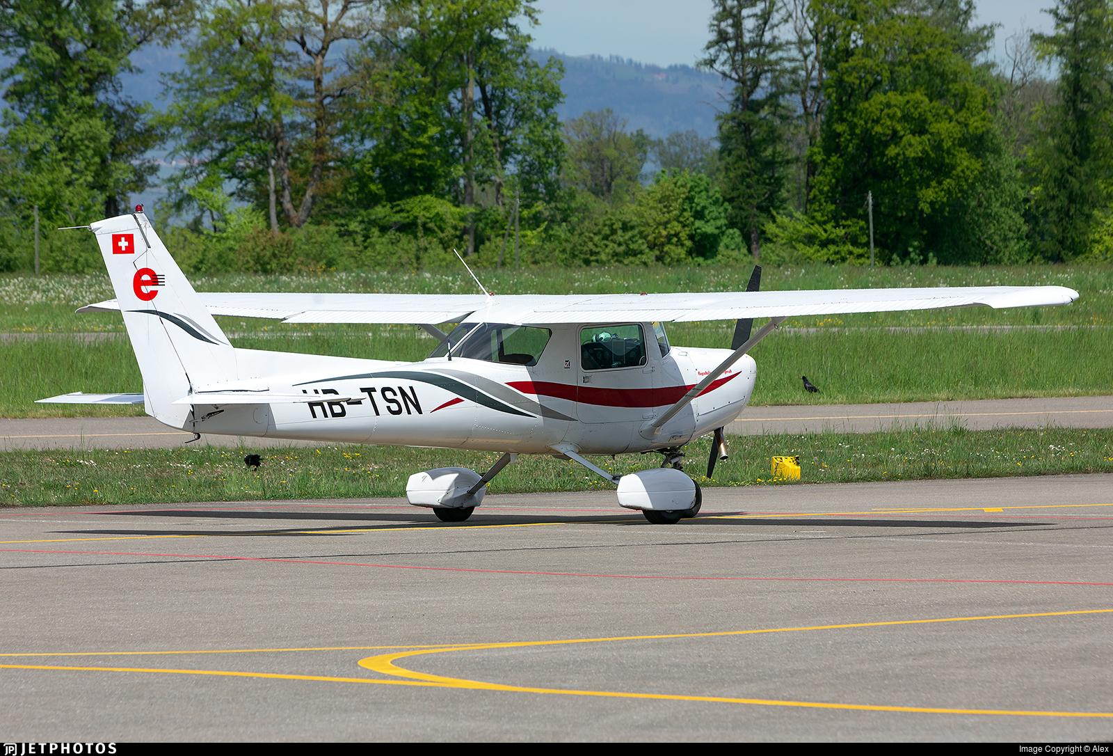 HB-TSN - Cessna 152 - Flugschule Eichenberger