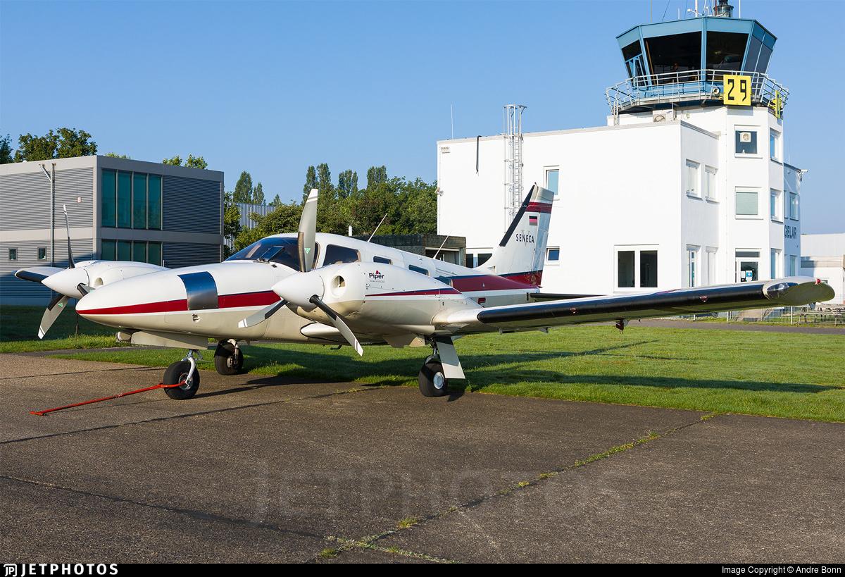 D-GGLE - Piper PA-34-220T Seneca V - Private