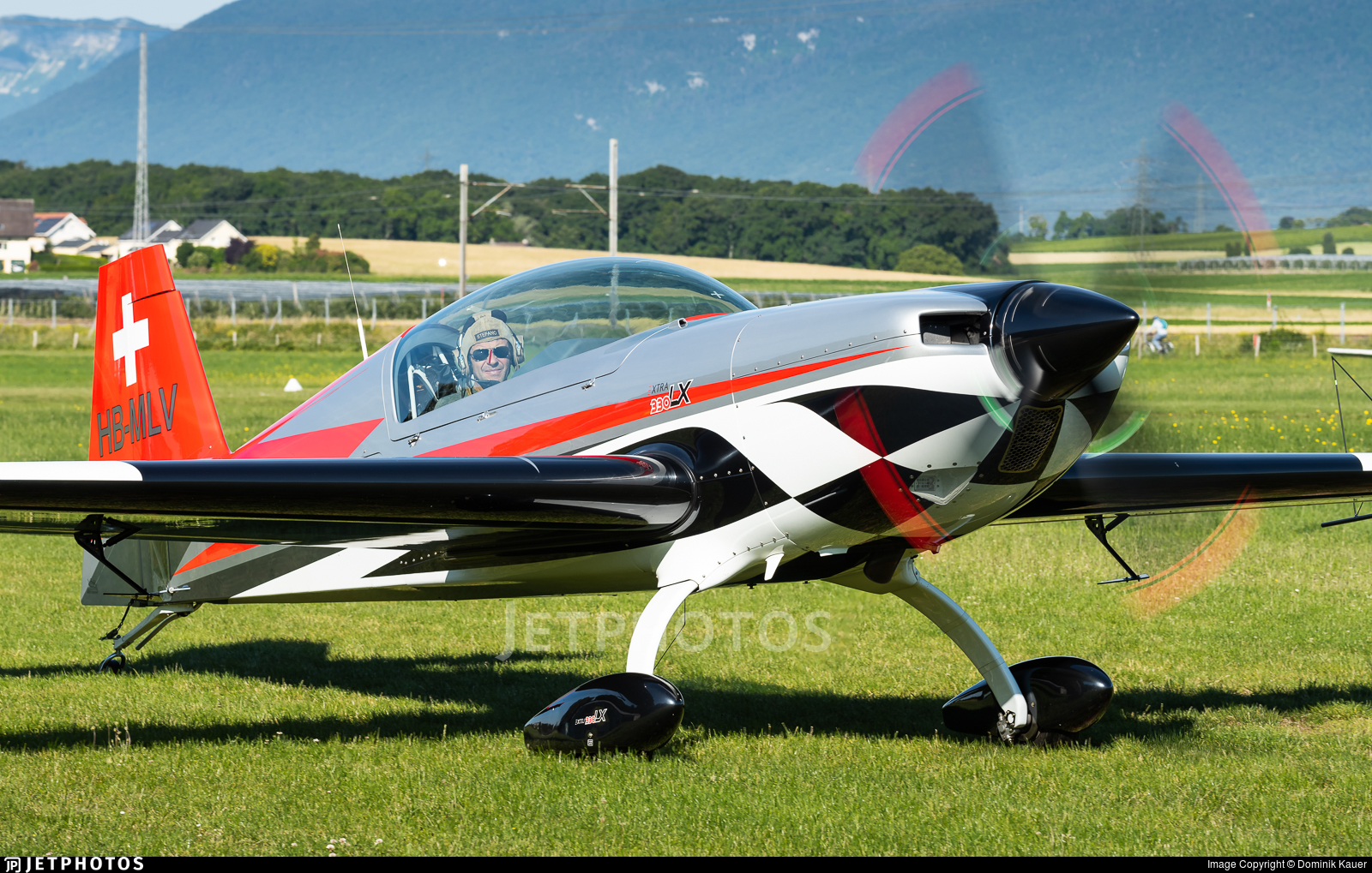 HB-MLV - Extra 330LX - Private