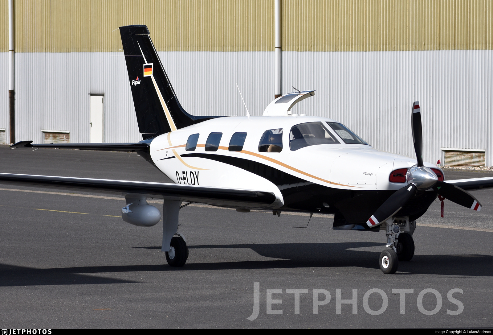 D-ELDY - Piper PA-46-350P Malibu Mirage - Private