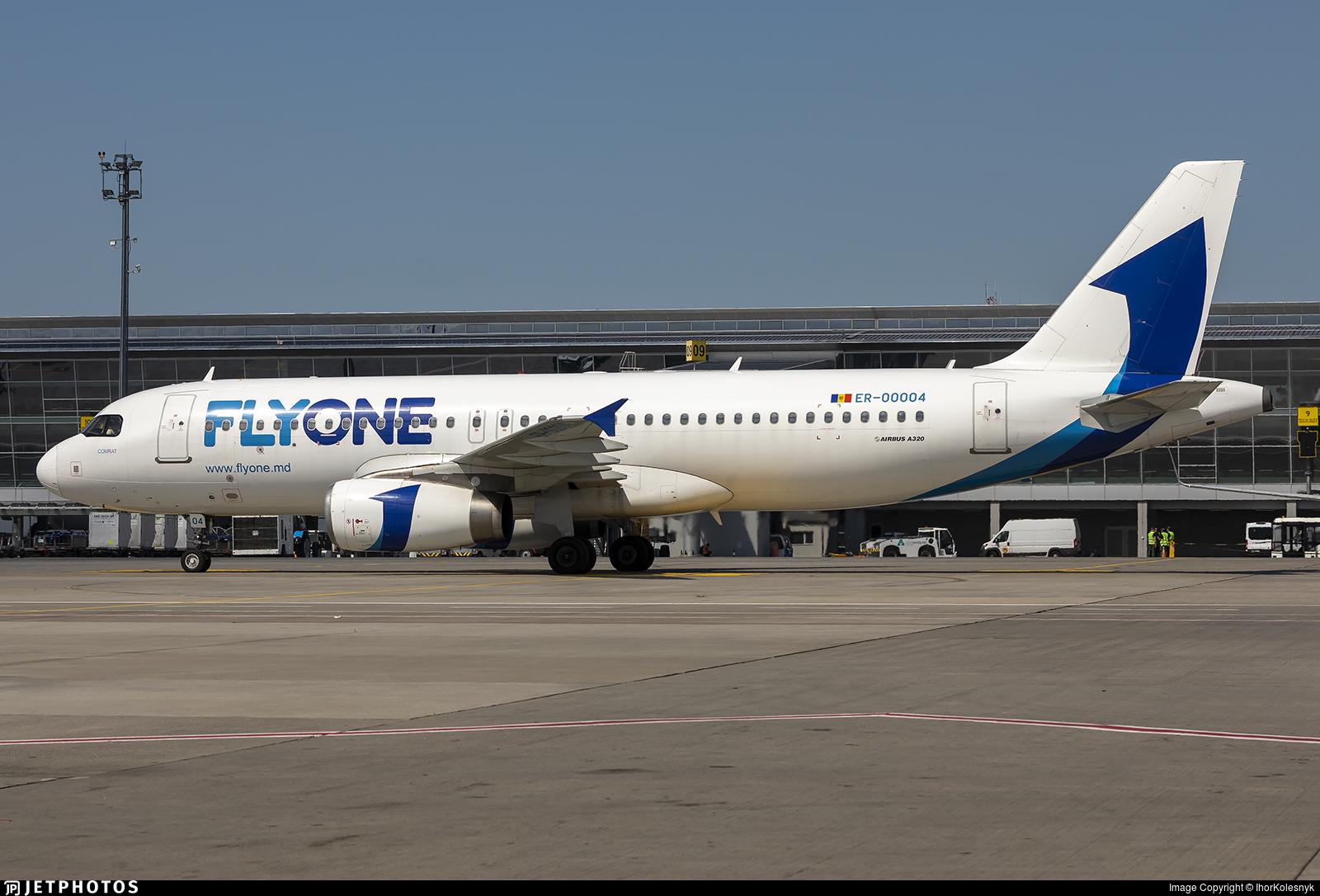 ER-00004 - Airbus A320-233 - FlyOne
