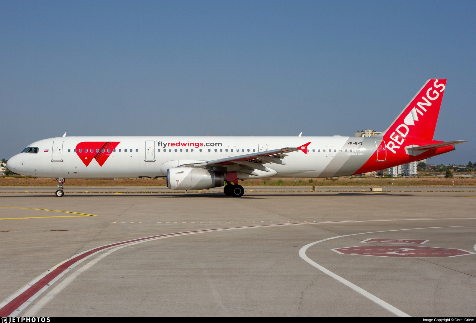 VP-BVT - Airbus A321-231 - Red Wings