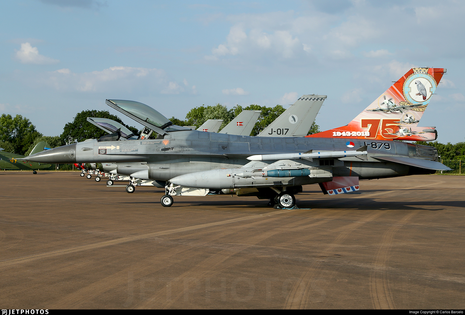1 X GENERAL DYNAMICS F-16 FIGHTING FALCON PHOTOGRAPH 1