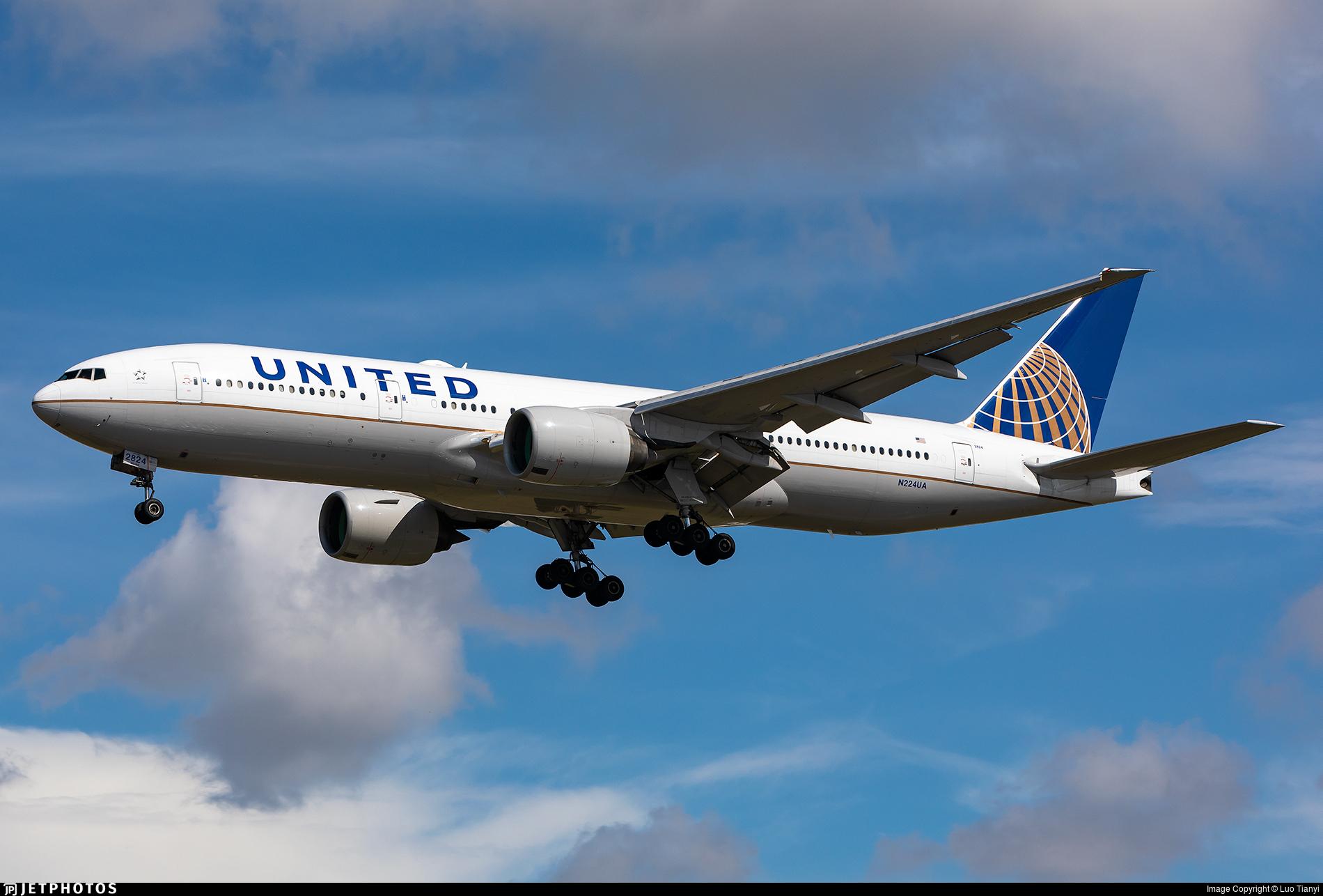 N224UA - Boeing 777-222(ER) - United Airlines