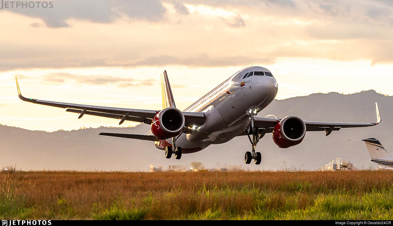 N818AV - Airbus A320-251N - Avianca