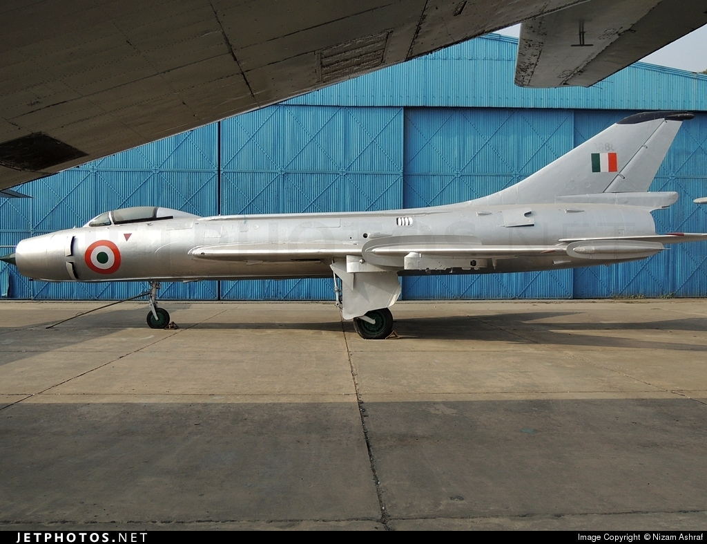 B888 - Sukhoi Su-7BKL Fitter A - India - Air Force