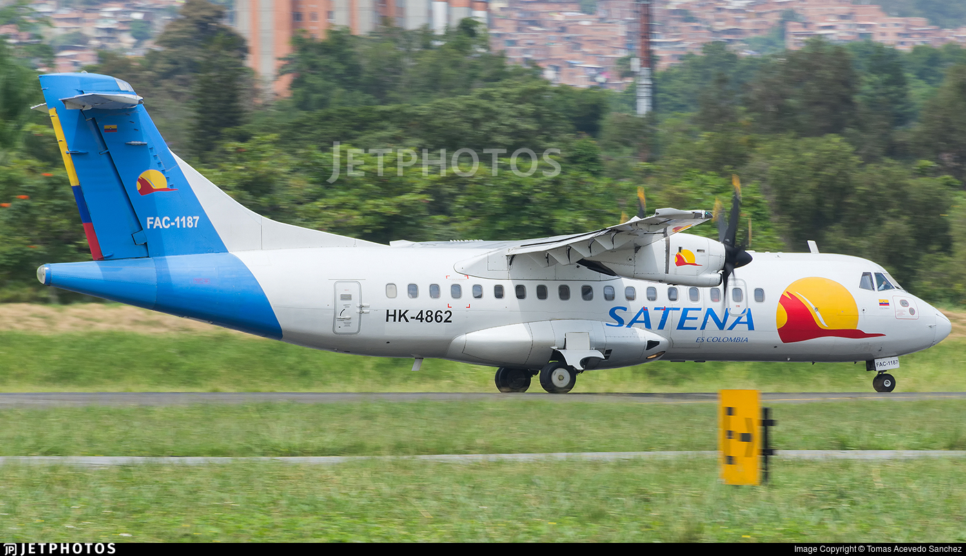 HK-4862 - ATR 42-500 - Satena
