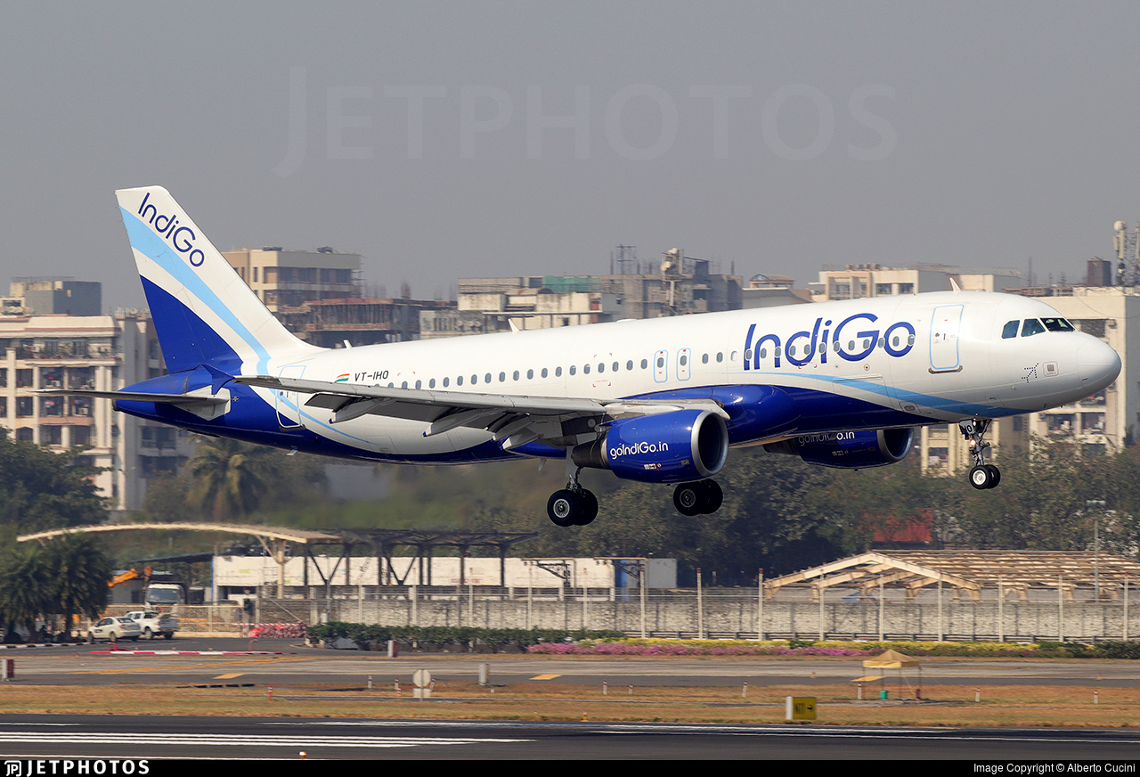 VT-IHO - Airbus A320-214 - IndiGo Airlines