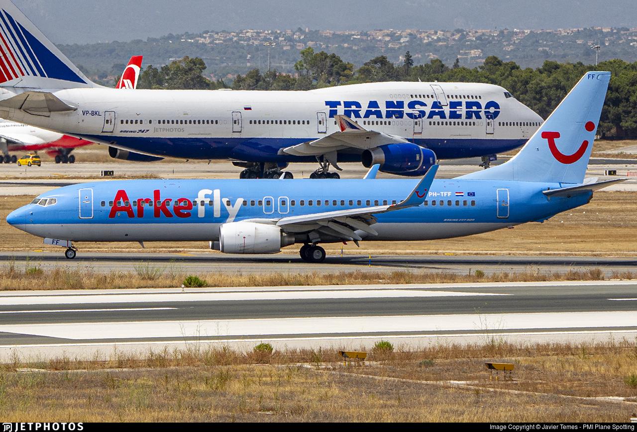 PH-TFF - Boeing 737-86N - ArkeFly