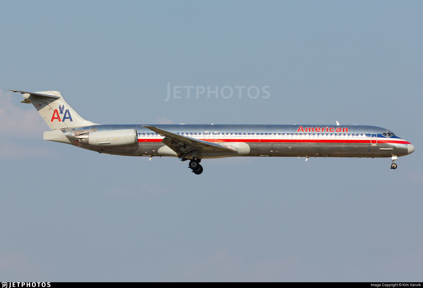 N9406W - McDonnell Douglas MD-83 - American Airlines